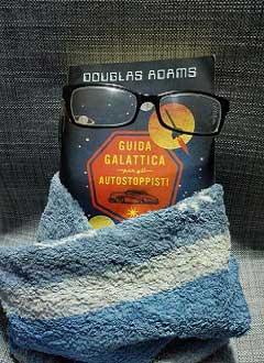 """Recensione libro """"Guida galattica per gli autostoppisti"""""""