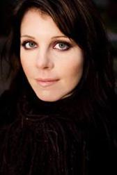 """Recensione Libro.it intervista Riikka Pulkkinen autrice del libro """"L'armadio dei vestiti dimenticati"""""""