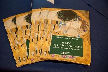 Recensione Libro Il lido del mosaico & ballo