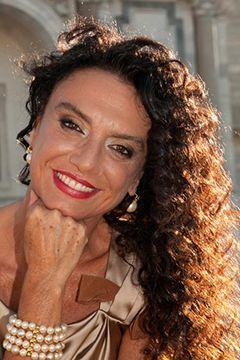 Daniela Tozzi: biografia scrittrice